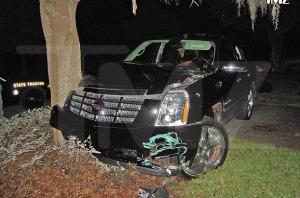 Tiger's crash split open more than his bumper